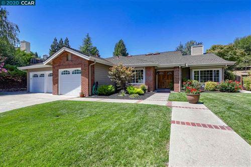 Photo of 40 Woodranch Cir, DANVILLE, CA 94506 (MLS # 40916530)