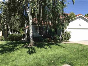 Photo of 595 Mulqueeney St, LIVERMORE, CA 94550 (MLS # 40825532)