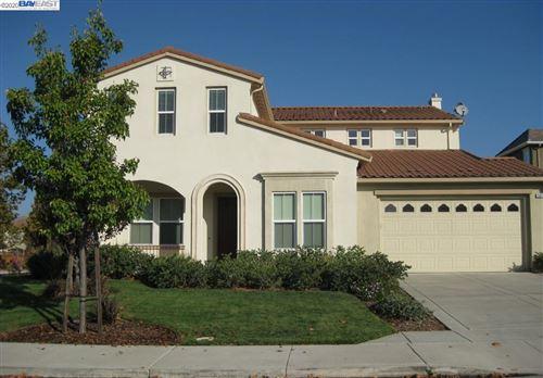 Photo of 501 Mantova, DANVILLE, CA 94506 (MLS # 40900532)