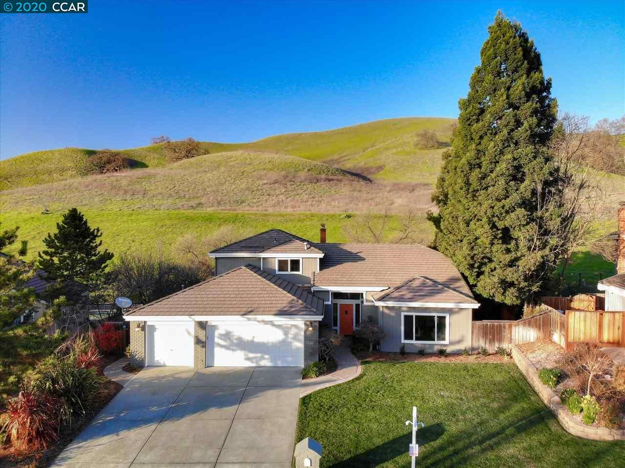 Photo for 1024 Hill Meadow Pl, DANVILLE, CA 94526 (MLS # 40895533)
