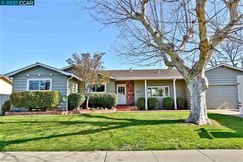 Photo of 1700 Westwood Dr, CONCORD, CA 94521 (MLS # 40938535)