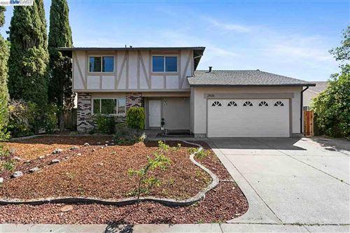 Photo of 2906 Redwood Dr, FAIRFIELD, CA 94533 (MLS # 40945535)