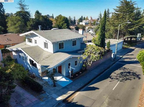 Photo of 1769 Pleasant Valley Ave, OAKLAND, CA 94611-4240 (MLS # 40888537)