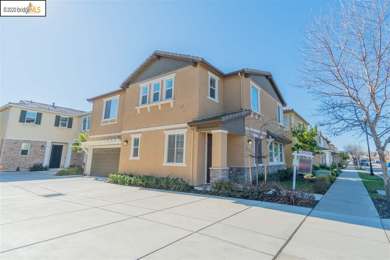 Photo for 316 Pacifica Dr, BRENTWOOD, CA 94513 (MLS # 40895540)