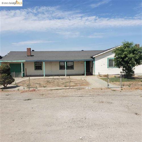 Photo of 5401 Live Oak Ave, OAKLEY, CA 94561 (MLS # 40961542)