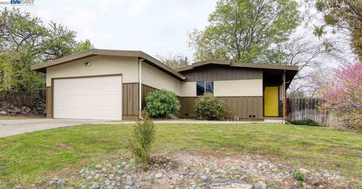Photo of 4230 Heights Ave, PITTSBURG, CA 94565 (MLS # 40942542)
