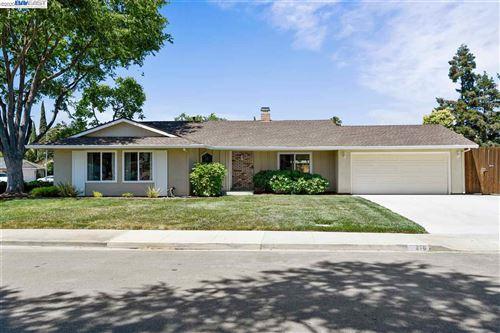 Photo of 216 Junco Ave, LIVERMORE, CA 94551 (MLS # 40911543)
