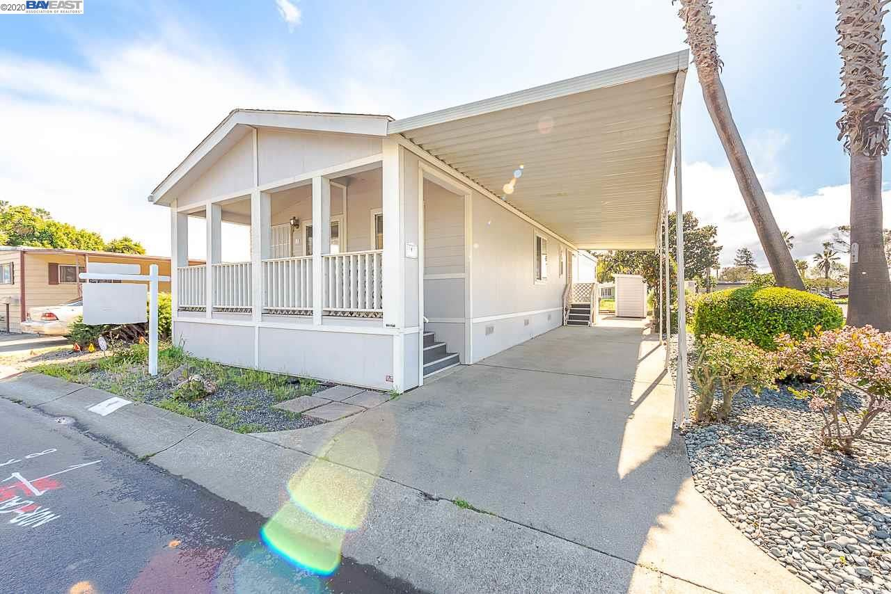 Photo for 1 Palm Dr, UNION CITY, CA 94587 (MLS # 40900544)