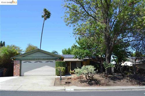 Photo of 1423 Flintwood Ct, MARTINEZ, CA 94553 (MLS # 40955546)