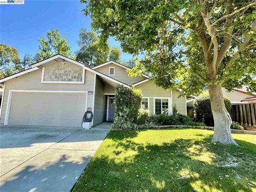 Photo of 1658 Dawn St, LIVERMORE, CA 94550 (MLS # 40954547)