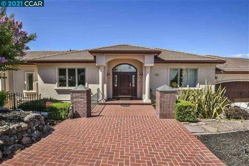 Photo of 554 Oakshire Pl, ALAMO, CA 94507 (MLS # 40960548)