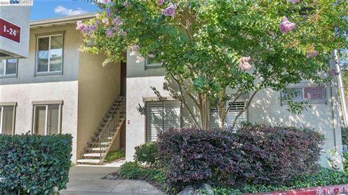 Photo of 2560 Walnut Blvd #10, WALNUT CREEK, CA 94596 (MLS # 40961548)
