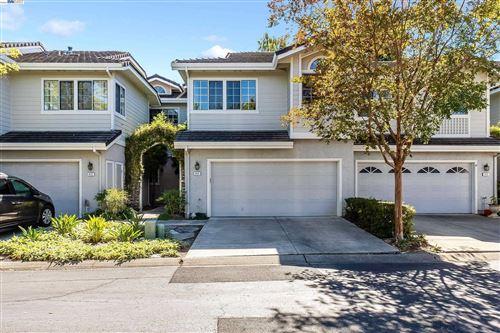 Photo of 415 Gingerwood Ln, Danville, CA 94506 (MLS # 40969549)