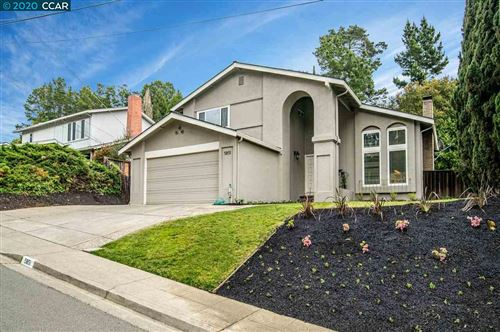 Photo of 5851 Cold Water Dr, CASTRO VALLEY, CA 94552 (MLS # 40900550)