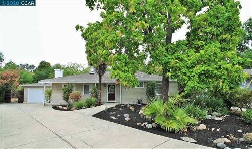 Photo of 150 Stewart Cir, PLEASANT HILL, CA 94523 (MLS # 40915555)