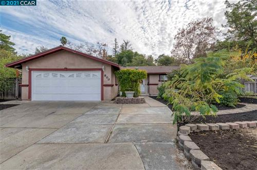Photo of 800 Twinview Pl, PLEASANT HILL, CA 94523 (MLS # 40934555)