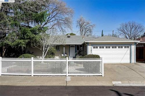 Photo of 3037 Wildwood Dr, CONCORD, CA 94518 (MLS # 40939555)