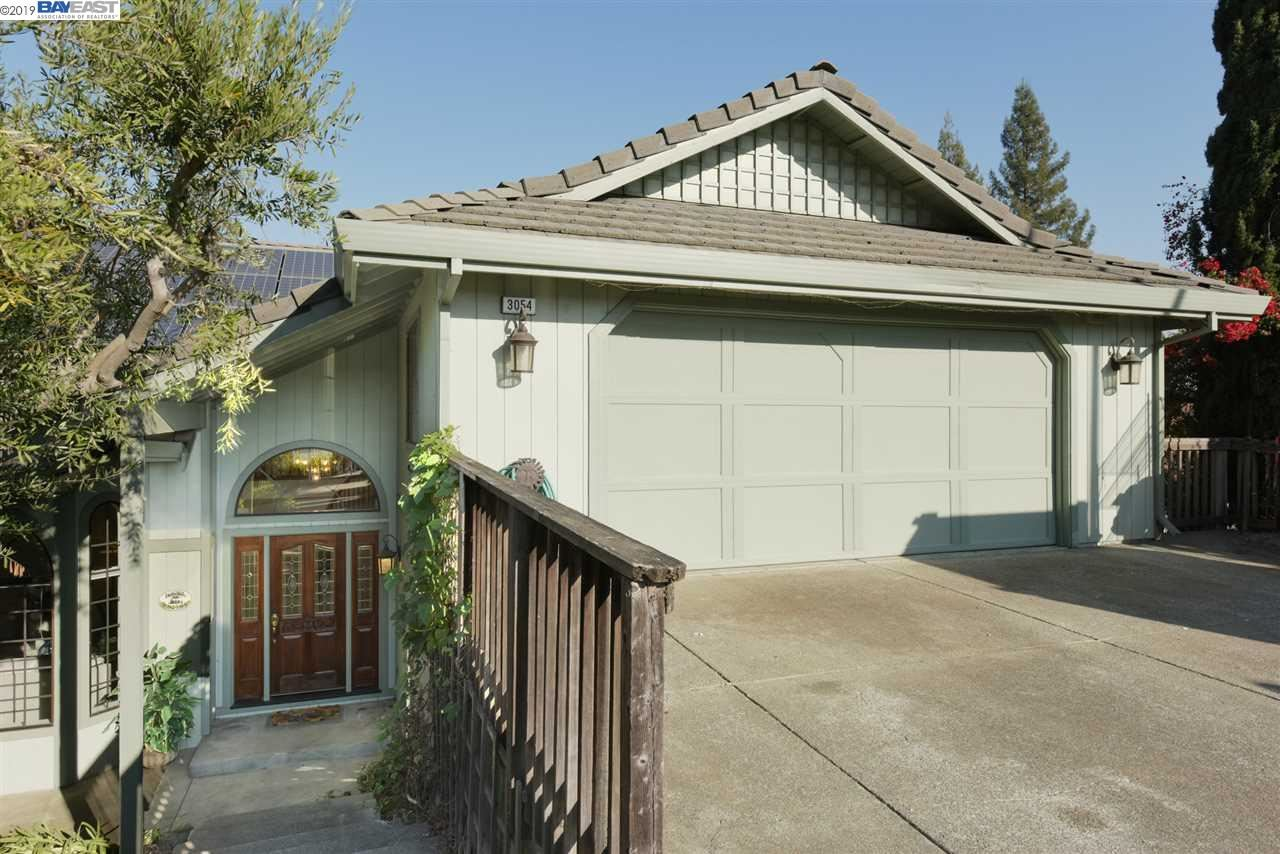 Photo for 3054 Todd Ct, CASTRO VALLEY, CA 94546 (MLS # 40888557)