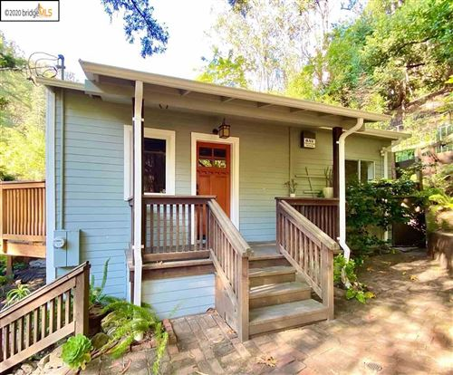 Photo of 6724 Pinehaven Rd, OAKLAND, CA 94611 (MLS # 40915558)