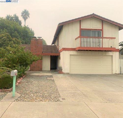 Photo of 3306 San Pedro Ct, UNION CITY, CA 94587 (MLS # 40920559)