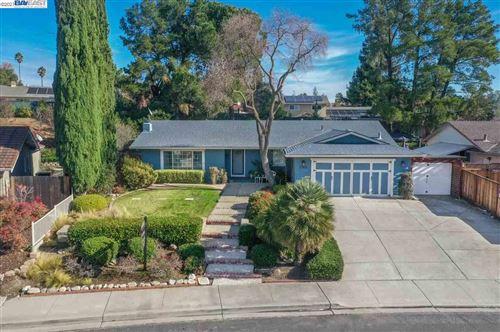 Photo of 2264 Stonebridge Rd, LIVERMORE, CA 94550 (MLS # 40934559)