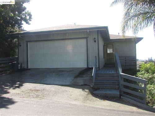 Photo of 1023 Central Blvd #A, HAYWARD, CA 94542 (MLS # 40813560)