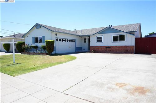 Photo of 37069 Saint Christopher St, NEWARK, CA 94560 (MLS # 40913560)