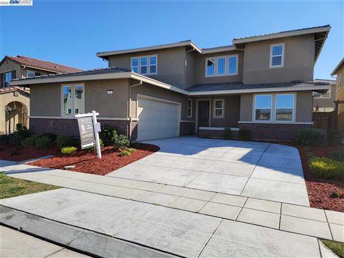 Photo of 496 W Royce Drive, MOUNTAIN HOUSE, CA 95391 (MLS # 40938561)