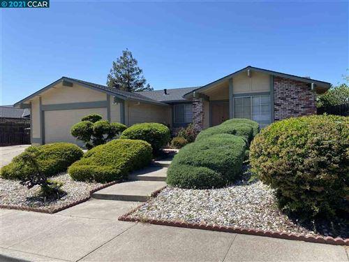 Photo of 901 Basalt Way, ANTIOCH, CA 94509 (MLS # 40948562)