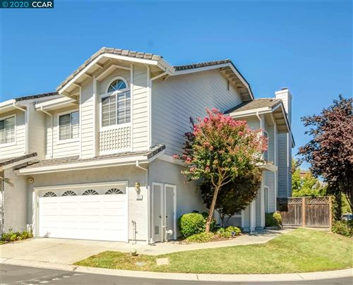 Photo of 212 Country Meadows Ln, DANVILLE, CA 94506 (MLS # 40892563)