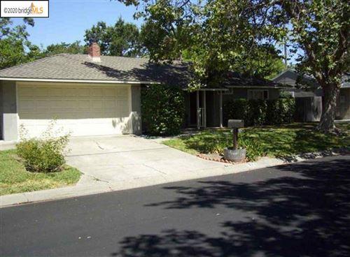 Photo of 1778 RUTH DR, PLEASANT HILL, CA 94523 (MLS # 40927565)
