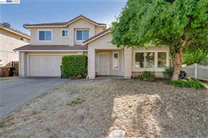Photo of 4820 Country Hills Dr, ANTIOCH, CA 94531 (MLS # 40885567)
