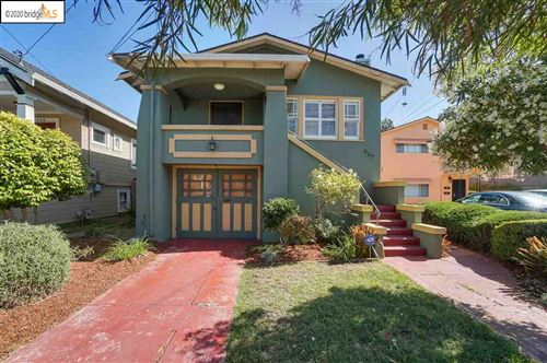Photo of 937 39Th St, OAKLAND, CA 94608 (MLS # 40912572)