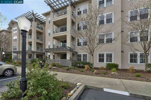 Photo of 1840 Tice Creek Dr #2305, WALNUT CREEK, CA 94595 (MLS # 40892573)