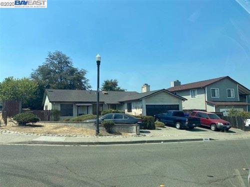 Photo of 2124 Redwood Rd, HERCULES, CA 94547 (MLS # 40929573)