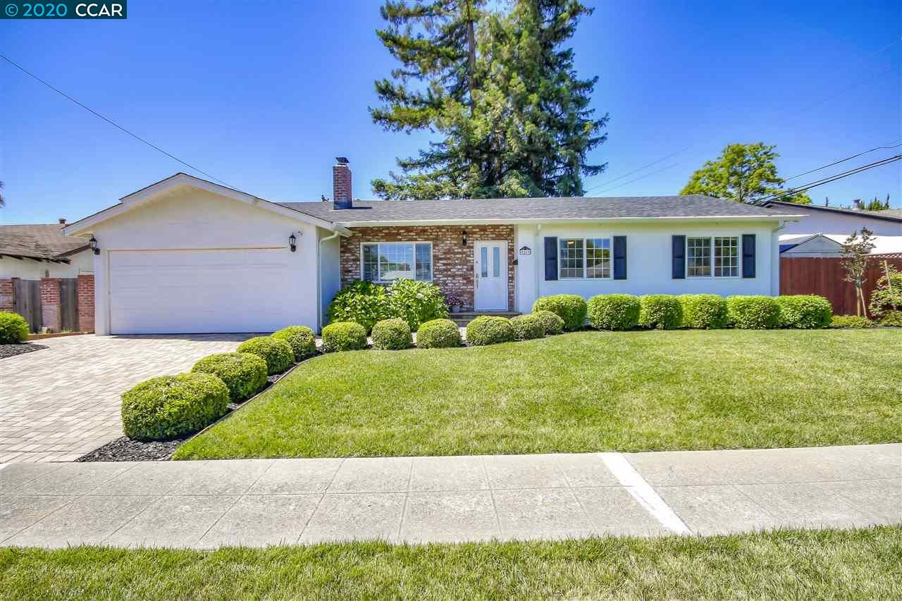 Photo of 8263 Cardiff Dr, DUBLIN, CA 94568 (MLS # 40906573)