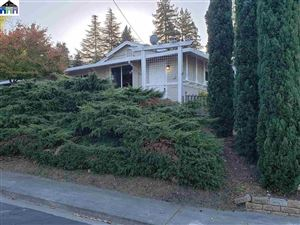 Photo of 3201 Ramona St, PINOLE, CA 94564 (MLS # 40886577)