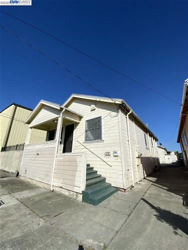 Photo of 958 54Th Ave, OAKLAND, CA 94601 (MLS # 40912577)
