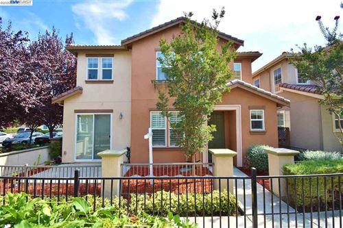 Photo of 166 Montevina Way, HAYWARD, CA 94545 (MLS # 40922577)