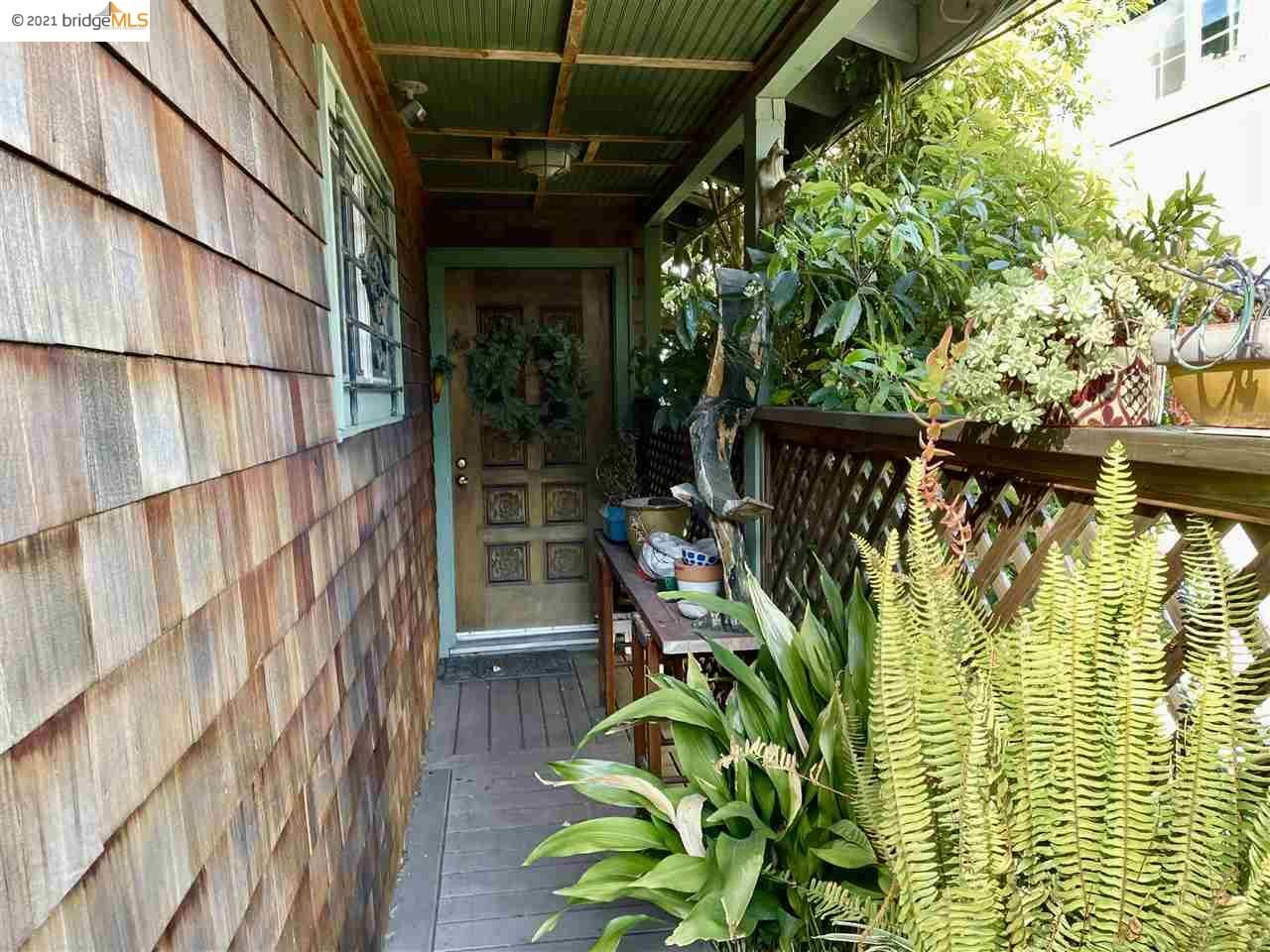 Photo of 428 Tewksbury Ave, RICHMOND, CA 94801 (MLS # 40942578)
