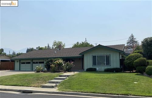 Photo of 5566 Southbrook Drive, CLAYTON, CA 94517 (MLS # 40922580)