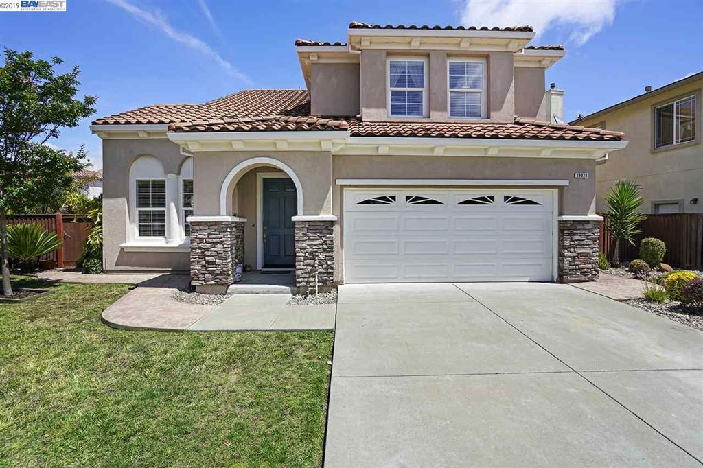 Photo for 29028 Eden Shores Dr, HAYWARD, CA 94545 (MLS # 40873581)