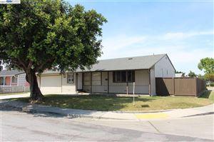 Photo of 16021 VIA VECINOS, SAN LORENZO, CA 94580-2039 (MLS # 40805582)