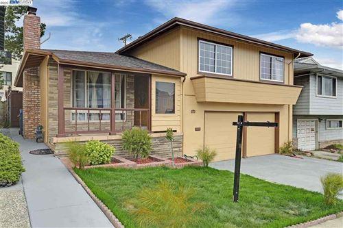 Photo of 187 Cerro, DALY CITY, CA 94015 (MLS # 40958583)