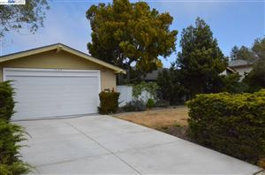 Photo of 2748 Waltham Cross St, BELMONT, CA 94002 (MLS # 40865586)