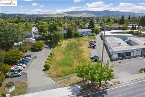 Photo of 7860 Old Redwood Hwy, COTATI, CA 94931-5106 (MLS # 40905586)