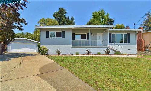 Photo of 18449 Vernon Ct, CASTRO VALLEY, CA 94546 (MLS # 40912589)