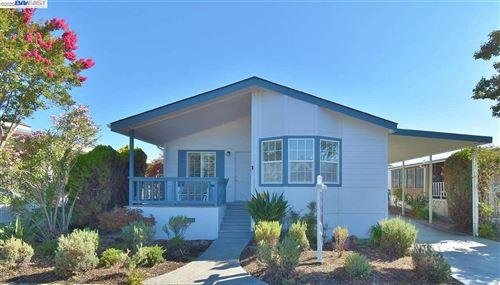Photo of 457 Santa Monica, SAN LEANDRO, CA 94579 (MLS # 40920590)