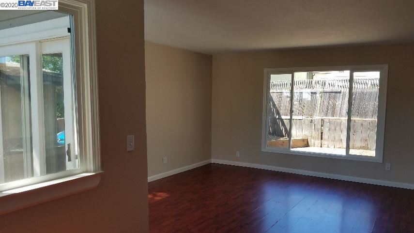 Photo of 2555 Orange St, MARTINEZ, CA 94553 (MLS # 40906590)