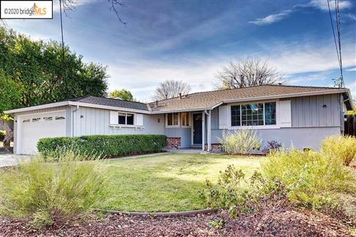 Photo of 3187 Baker Dr, CONCORD, CA 94519 (MLS # 40891591)